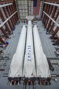 Elon Musk lifts the veil on SpaceX's Falcon Heavy rocket ...