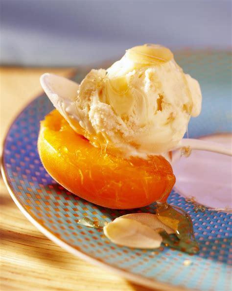 cuisine au miel recette abricots au miel cuisine madame figaro