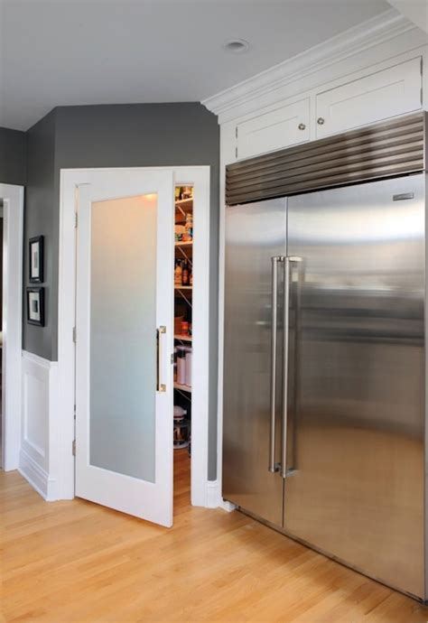 Frosted Glass Pantry Doors Design Ideas