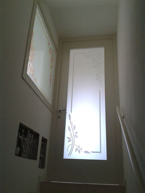 porte ingresso con vetro porta laccata con vetro decorato realizzazione