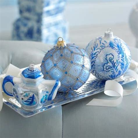 frosty blue  white christmas decor ideas digsdigs