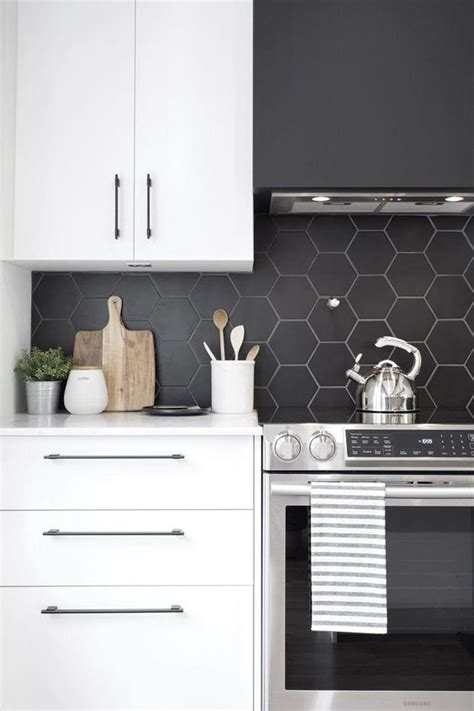 edgy  catchy black kitchen backsplashes digsdigs