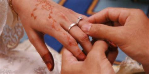 hukum menceritakan hubungan suami istri kepada orang lain dream co id