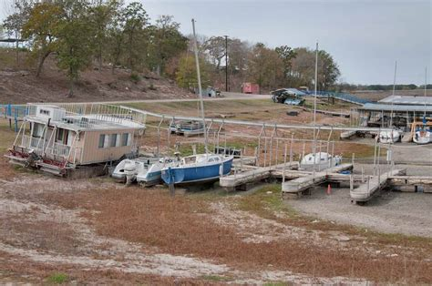 Slideshow 985-17: Marina at Lake Somerville, with low ...