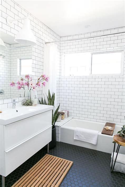 Modern White Bathroom Floor Tile by Mid Century Modern Bathroom With White Subway Tiles On The