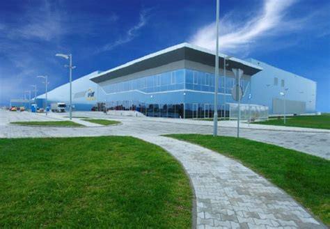 Vitro acquires PGW's original equipment automotive glass business   glassonweb.com