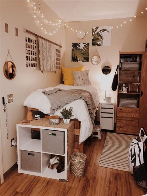 Decor For Small Room by 49 Diy Cozy Small Bedroom Decorating Ideas On Budget