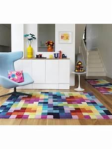 Teppich Bunt Gestreift : teppich bunt quadrate haus deko ideen ~ Frokenaadalensverden.com Haus und Dekorationen