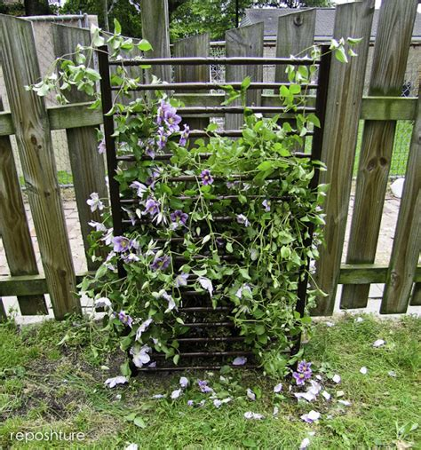 Low Garden Trellis by Low Cost Diy Garden Trellis You Can Easily Make