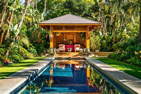 Balinese-inspired Backyard Escape