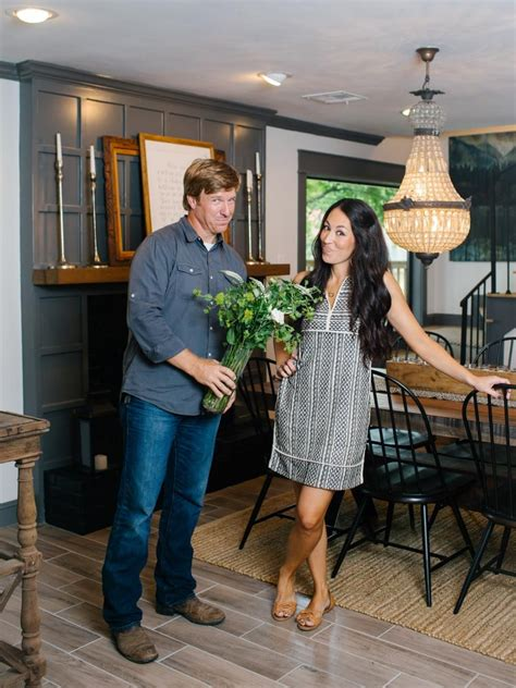 Standard Suburban 70s House Turned Retreat by Fixer World Charm For Newlyweds Hgtv Fixer