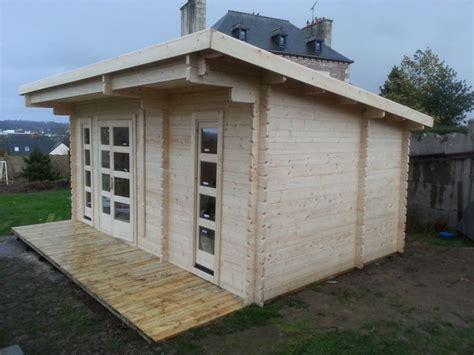 bureau de jardin en kit optez pour un bureau de jardin en bois stmb construction