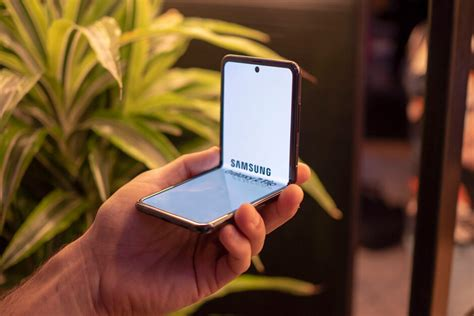 In stock on december 18, 2020. Samsung Galaxy Z Flip Review 2020 - Top 10 Best reviews in ...