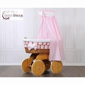 Berceau Bébé Bois : berceau b b de luxe et jolie parure rose ~ Teatrodelosmanantiales.com Idées de Décoration