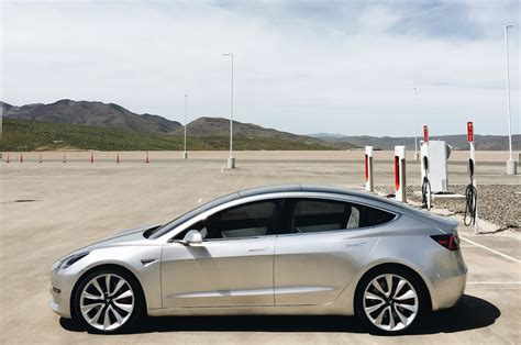 Tesla :  Tesla Model 3 Photo Shoot At The Gigafactory