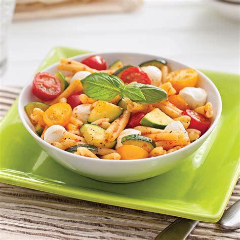 cuisine tomate pâtes aux courgettes tomates et bocconcinis recettes