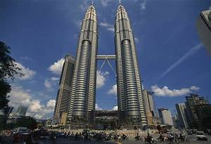 Experience the Magic of the Majestic Petronas Towers in ...