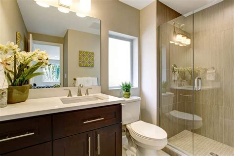 Pictures Of Small Master Bathrooms by 33 Terrific Small Master Bathroom Ideas 2019 Photos