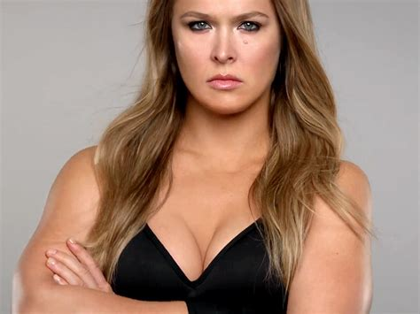 Ronda Rousey's New Carl's Jr Commercial: Watch the Fierce ...