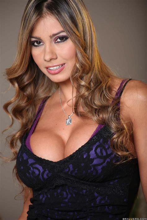 Chicas Latinas Sexys Y Famosas Esperanza G Mez