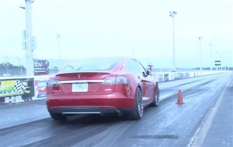 Tesla Model S P90d Ludicrous Runs 11.2 At 118.4 Mph