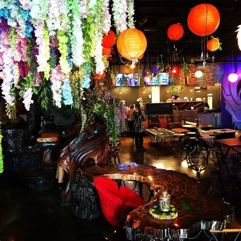 I visited a fantasy themed cafe that had just opened this weekend. Cafeterías y casas de té en Anaheim - Visita Anaheim