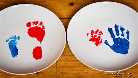 handabdruck baby welche farbe baby handabdruck und fu 223 abdruck auf tasse oder teller nestling