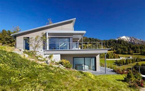 Haus, Erbaut Auf Einem Hang