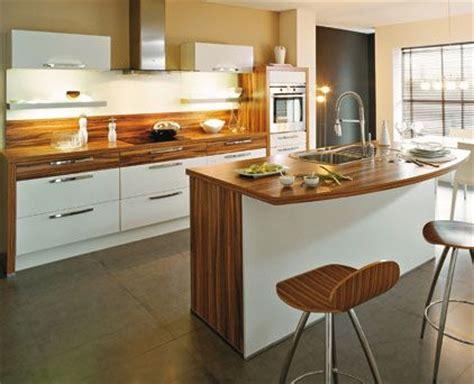 plan de cuisine moderne cuisine moderne blanche et bois cuisine design blanche et