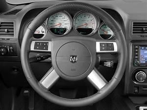 Image: 2010 Dodge Challenger 2-door Coupe SRT8 Steering