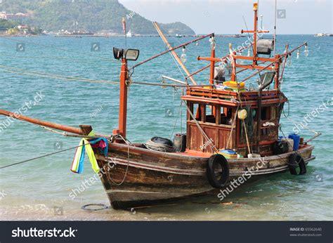 Small Fishing Boat Pics by Small Fishing Boat Stock Photo 65562640