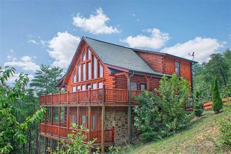 smoky cabin rentals top 10 beautiful smoky mountain cabins with a tub