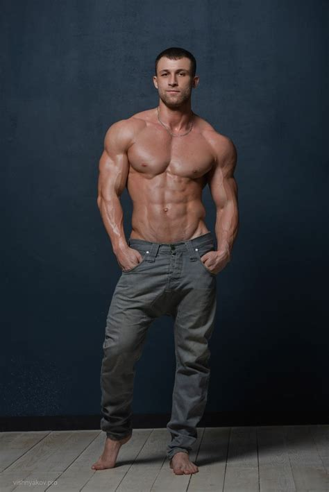 muscle hunks  images  pinterest