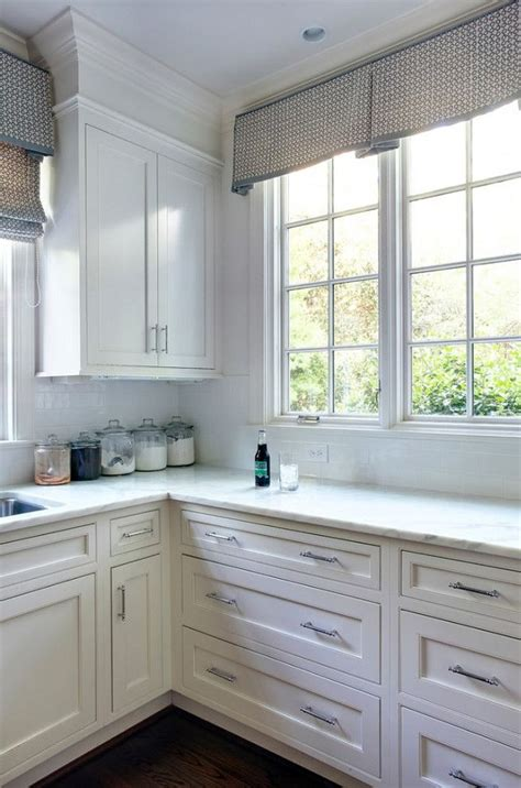 kitchen cabinet treatments best 25 kitchen window valances ideas on 2817