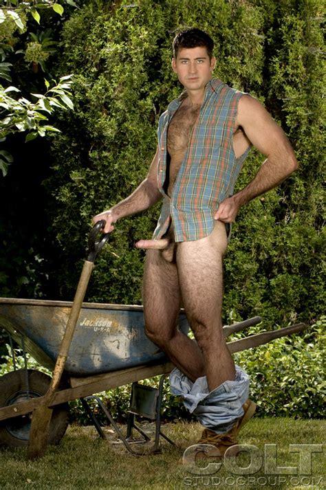 Berke Banks Posing Naked Outdoors At Suck A Boner