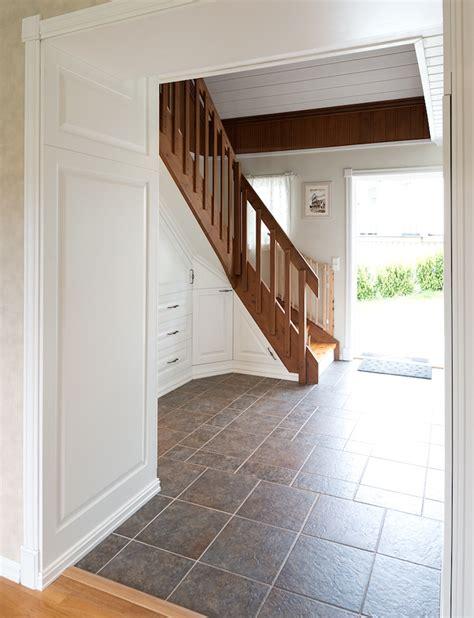 amenager un dressing sous escalier palzon