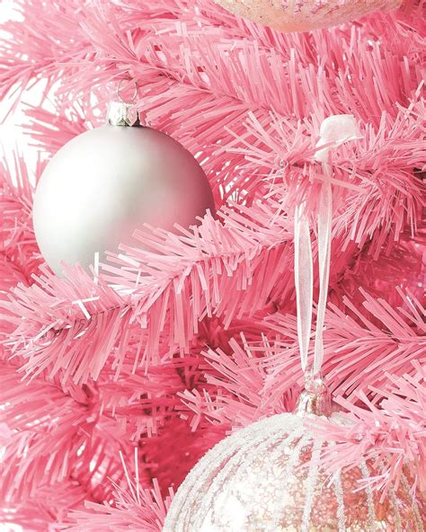 pretty in pink christmas tree treetopia