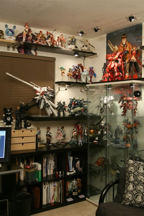 workspaces  figurine comic manga enthusiasts