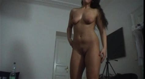 Fully Naked Amateur Goddess Shows An Awesome Lap Dance