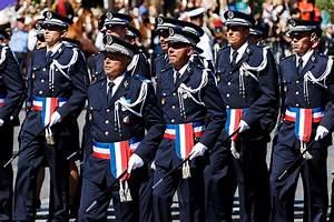 Uniforme Police Nationale : officier de police wikip dia ~ Maxctalentgroup.com Avis de Voitures