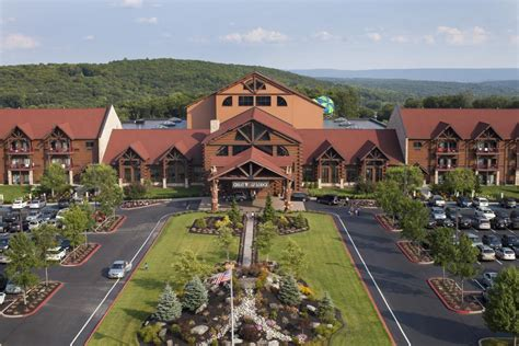 great wolf resorts buys  acres  disney world
