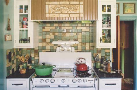 design motifs    english cottage kitchen  house journal magazine