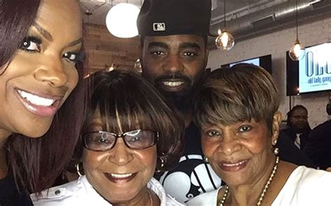 Kandi Burruss' Olg Restaurant Improves From