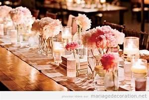 Chemin De Table Rose Pale : chemin de table plein de vases et fleurs roses ~ Teatrodelosmanantiales.com Idées de Décoration