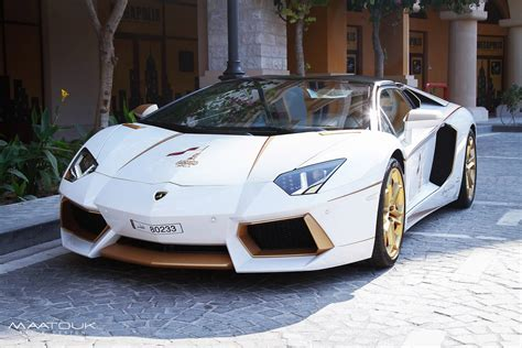 car lamborghini gold meet the one off gold plated lamborghini aventador