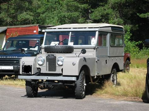 land rover safari roof series 1 land rover with safari roof old landys pinterest