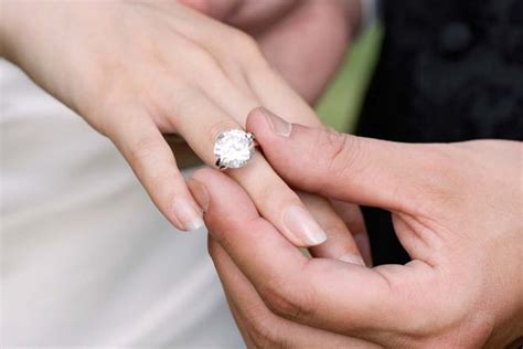 women   told  ditch  engagement rings
