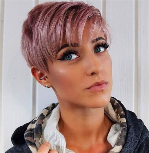 trendy short pixie hairstyles  women