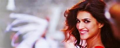 Sanon Kriti Manma Emotion Jaage Smile Pretty