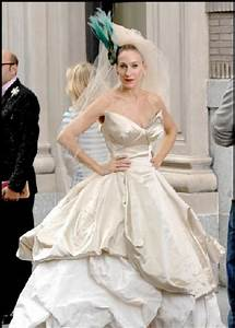 Miss Carrie Bradshaw doesn't disappoint with this dramatic ...